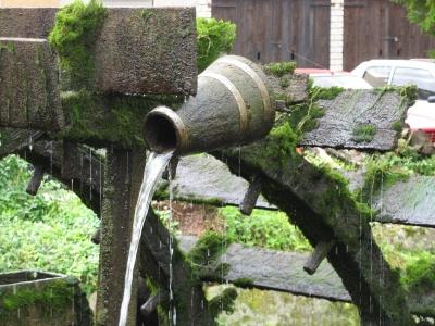Uwe Leonhardt und eine historische Wassermühle
